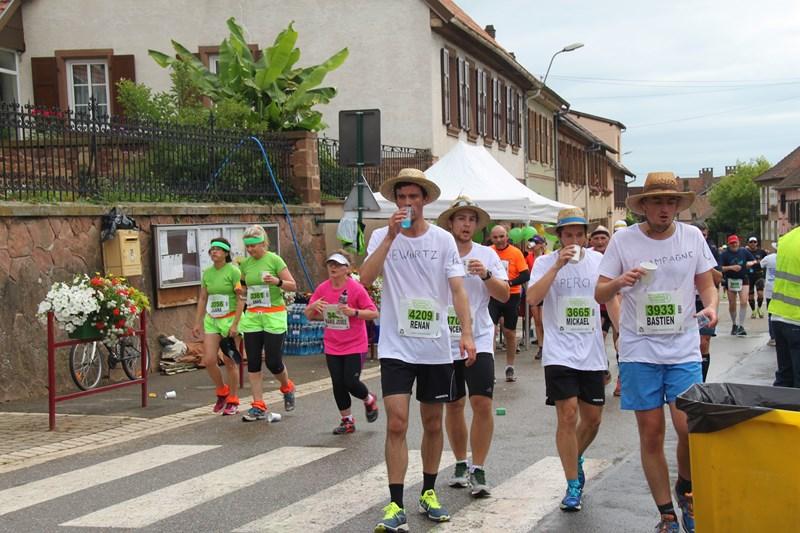 11 ème édition du Marathon du Vignoble d'Alsace et son passage à Wangen le 21 juin 2015 Img_8225