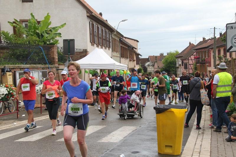 11 ème édition du Marathon du Vignoble d'Alsace et son passage à Wangen le 21 juin 2015 Img_8232