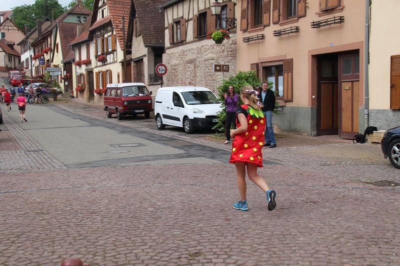 11 ème édition du Marathon du Vignoble d'Alsace et son passage à Wangen le 21 juin 2015 Img_8320