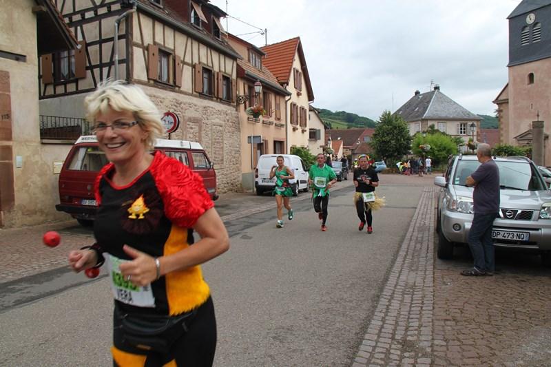 11 ème édition du Marathon du Vignoble d'Alsace et son passage à Wangen le 21 juin 2015 Img_8324