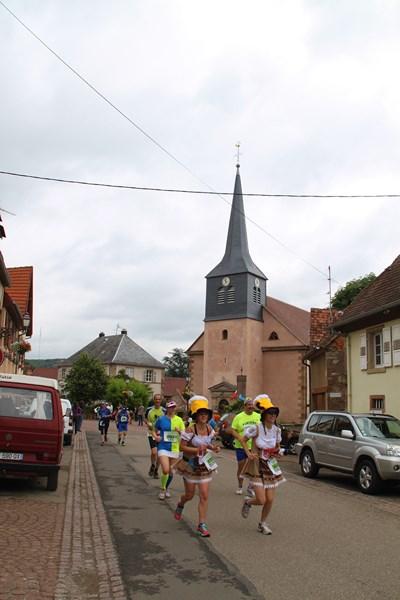 11 ème édition du Marathon du Vignoble d'Alsace et son passage à Wangen le 21 juin 2015 Img_8330