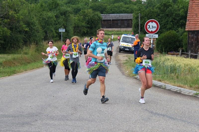 11 ème édition du Marathon du Vignoble d'Alsace et son passage à Wangen le 21 juin 2015 Img_8418