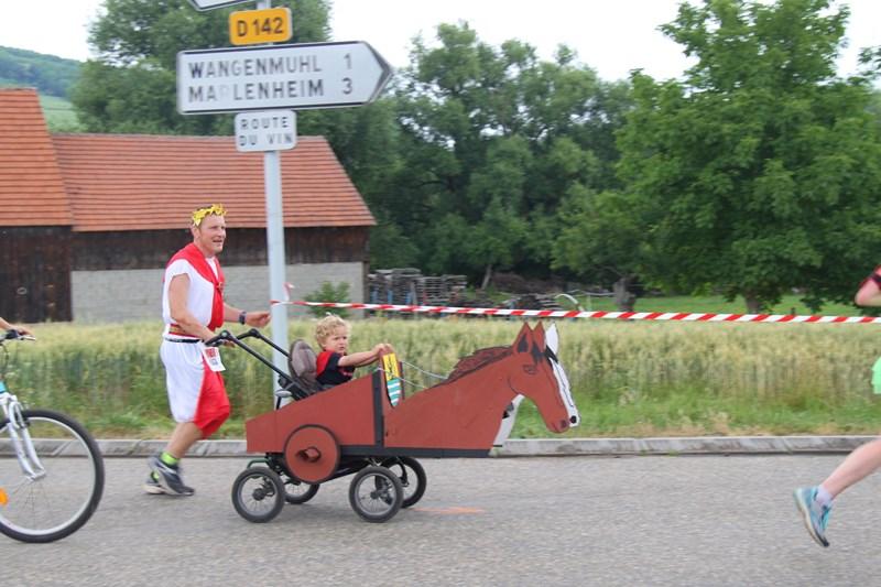 11 ème édition du Marathon du Vignoble d'Alsace et son passage à Wangen le 21 juin 2015 Img_8439