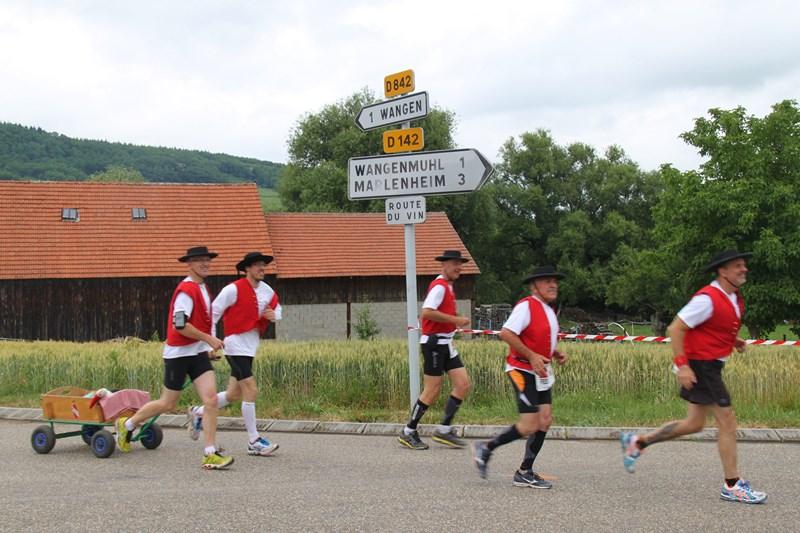 11 ème édition du Marathon du Vignoble d'Alsace et son passage à Wangen le 21 juin 2015 Img_8512