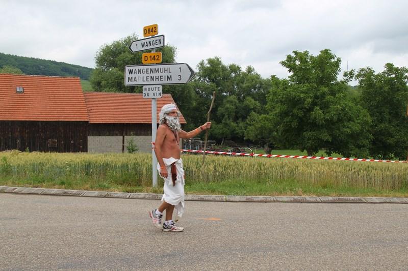 11 ème édition du Marathon du Vignoble d'Alsace et son passage à Wangen le 21 juin 2015 Img_8514