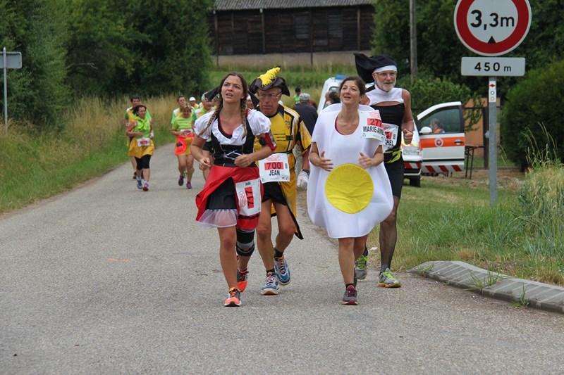 11 ème édition du Marathon du Vignoble d'Alsace et son passage à Wangen le 21 juin 2015 Img_8516