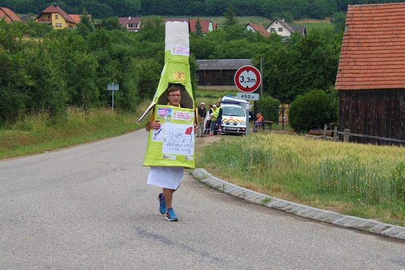 11 ème édition du Marathon du Vignoble d'Alsace et son passage à Wangen le 21 juin 2015 Img_8520