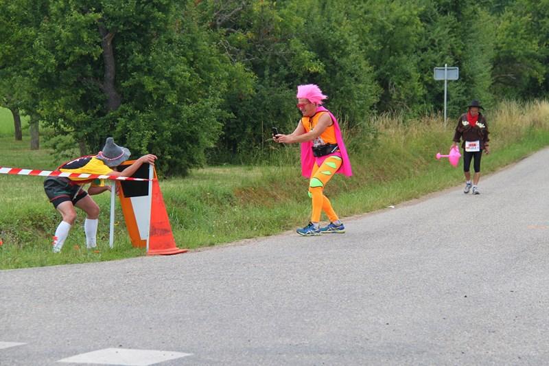 11 ème édition du Marathon du Vignoble d'Alsace et son passage à Wangen le 21 juin 2015 Img_8523