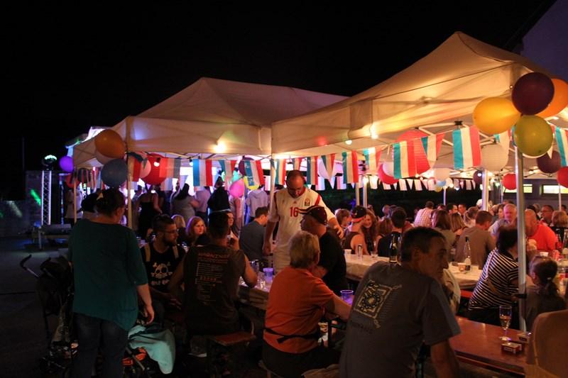 Wangen, 13 juillet 2015, bal populaire, retraite aux flambeaux et feu d'artifice! Img_9717