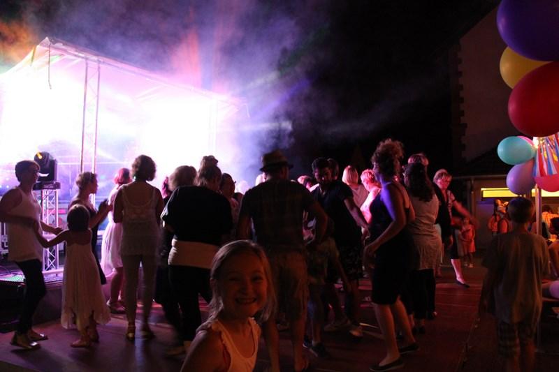 Wangen, 13 juillet 2015, bal populaire, retraite aux flambeaux et feu d'artifice! Img_9718