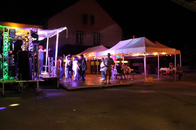 Wangen, 13 juillet 2015, bal populaire, retraite aux flambeaux et feu d'artifice! Img_9815