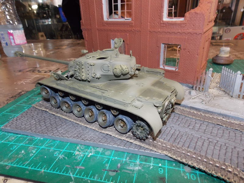 PERSHING M 26 fin de conflit 1945 (Hobby Boss 1/35) - Page 3 Persh128