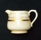 Gorgeous little jug gives me the willies!! 77510