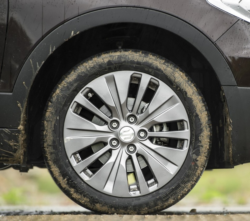 SUZUKI S-CROSS O/E WHEEL AND TYRE SPECS Suzuki14