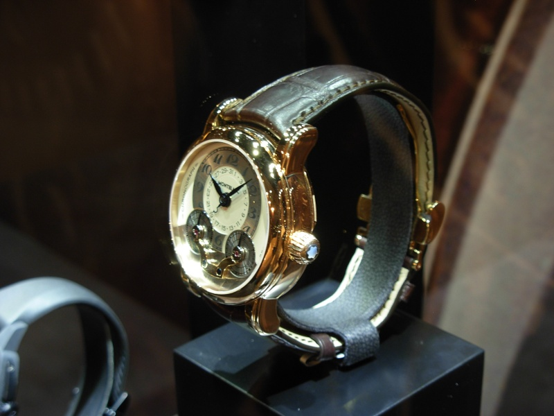 vacheron - COMPTE RENDU salon belles montres 2009 - Page 12 Dscn1115