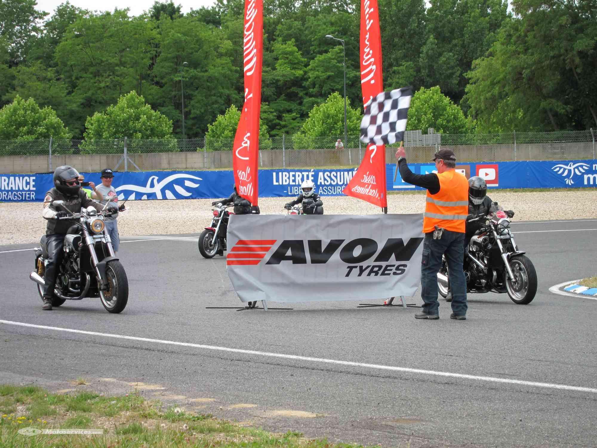 Classic Machines les 13 et 14 juin au circuit Carole - Page 9 Classi10
