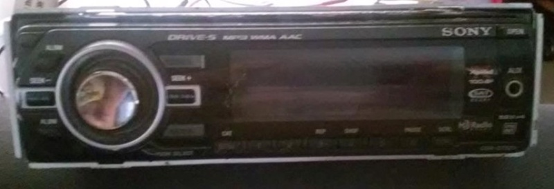 Sony Flip Face CD Player for Auto 11870610