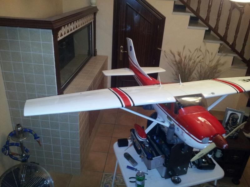 Cessna 182 tamaño 120 Phoenix Models reparación del ala derecha y tren de aterrizaje  5310