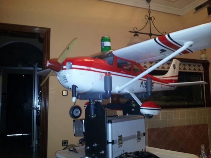 Cessna 182 tamaño 120 Phoenix Models reparación del ala derecha y tren de aterrizaje  5510