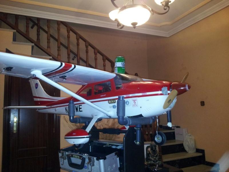 Cessna 182 tamaño 120 Phoenix Models reparación del ala derecha y tren de aterrizaje  5610