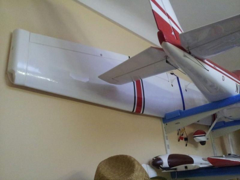 Cessna 182 tamaño 120 Phoenix Models reparación del ala derecha y tren de aterrizaje  5710