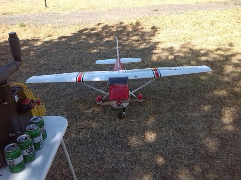 Cessna 182 tamaño 120 Phoenix Models reparación del ala derecha y tren de aterrizaje  5910