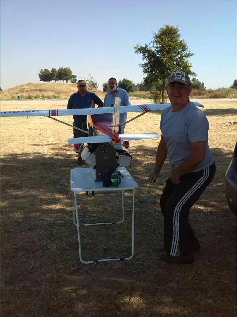 Cessna 182 tamaño 120 Phoenix Models reparación del ala derecha y tren de aterrizaje  6010
