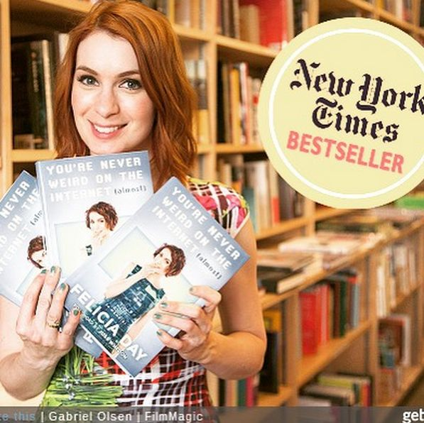 """Felicia Day sort prochainement un livre : """"You're Never Weird on the Internet (Almost)"""" Felici47"""
