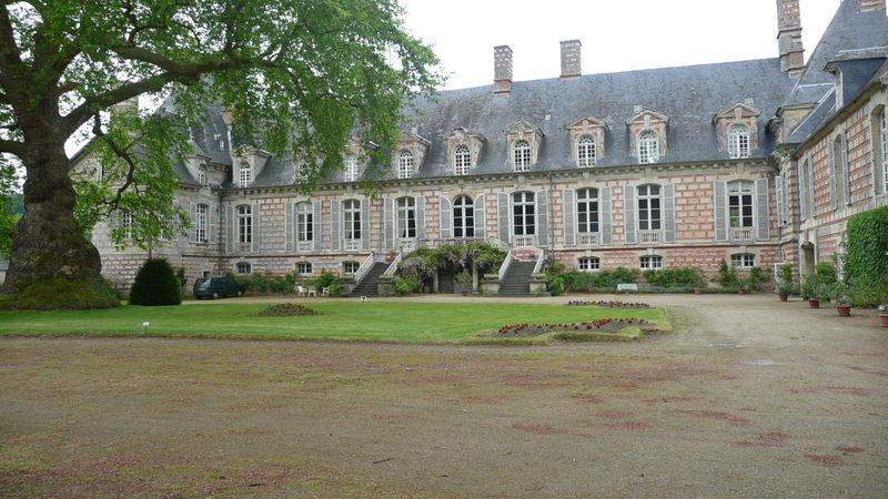 Le château de Fervaques ... 40371310