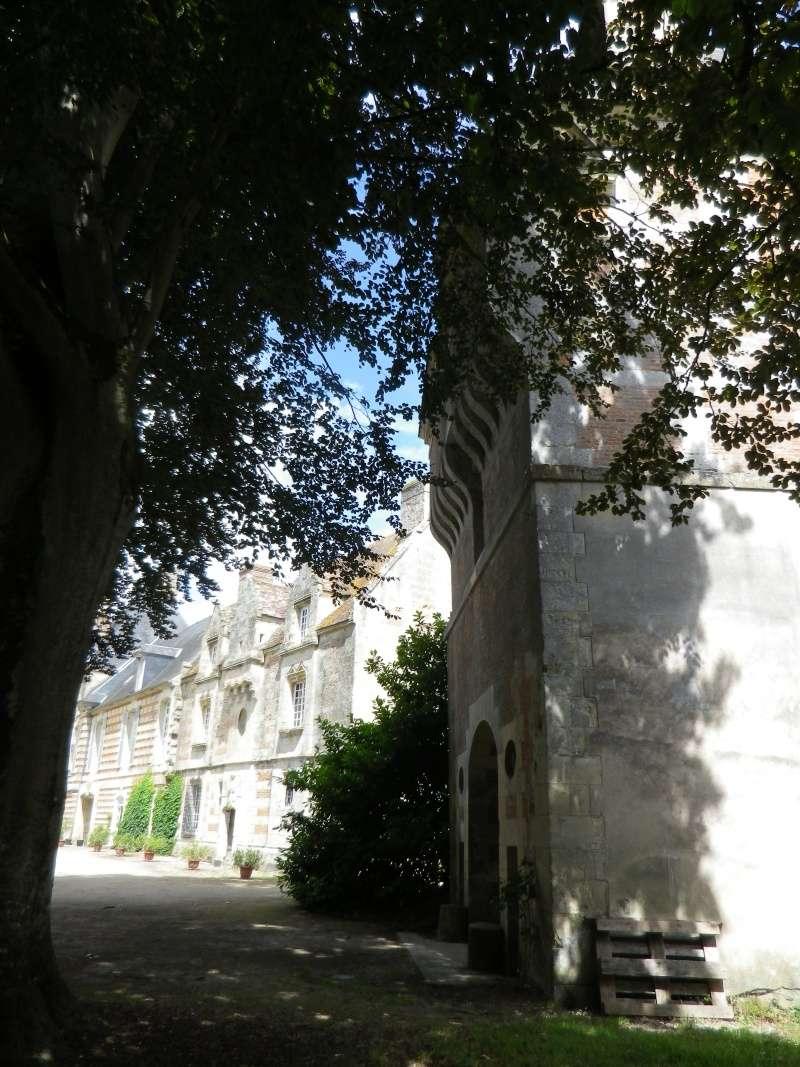 Le château de Fervaques ... Fervaq14