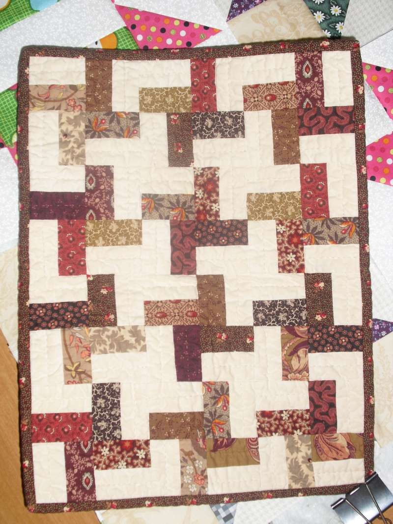 Small Quilts/Wallhangings - Page 8 Cimg3811