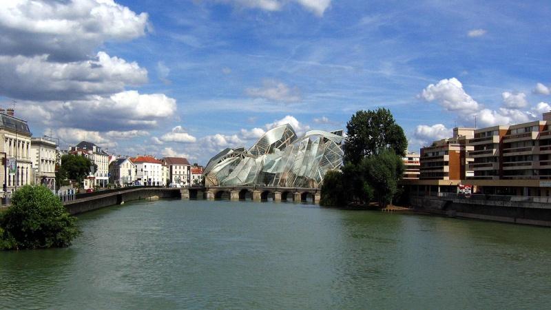 Un pont habité à Meaux. Pontha10