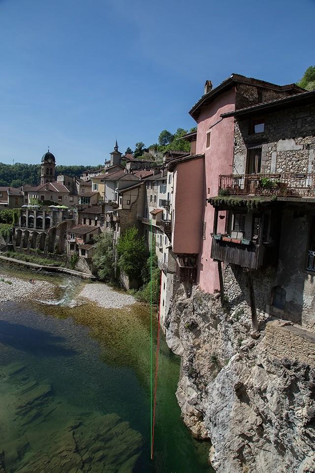 Le village 15081910
