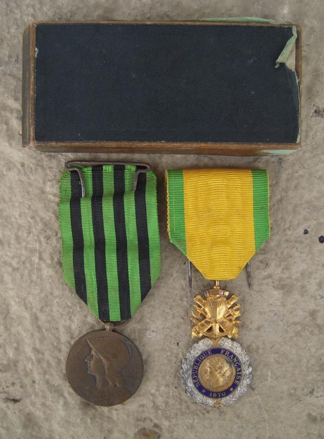 Adrian 15 Infanterie et Médailles - ESC 1 VENDU Dscn9823
