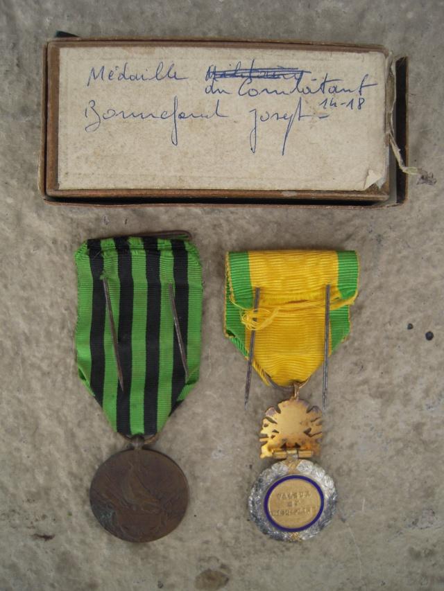 Adrian 15 Infanterie et Médailles - ESC 1 VENDU Dscn9824