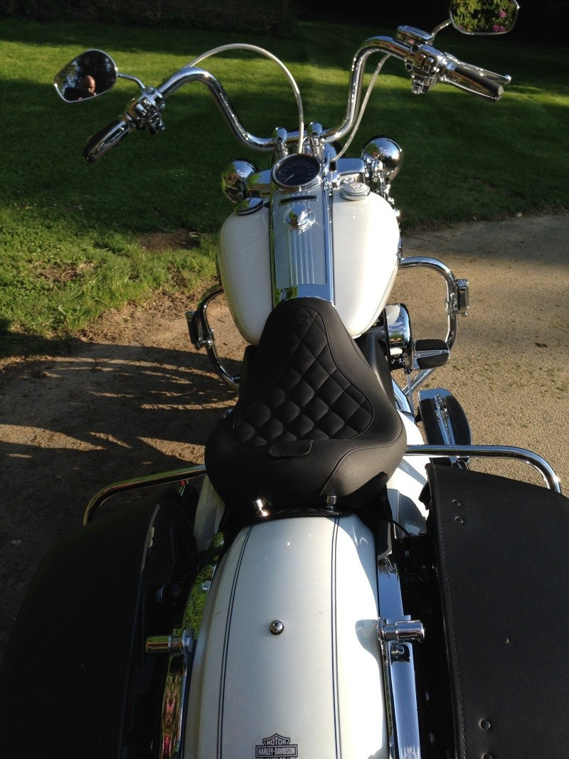 Changement guidon Road King Classic. - Page 6 008_410