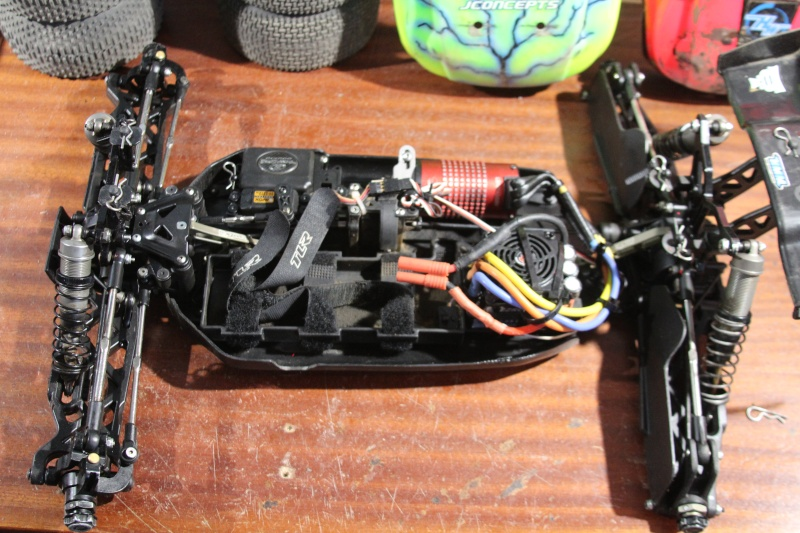 Mon nouveau jouet : Losi 8ight-T brushless Img_2223