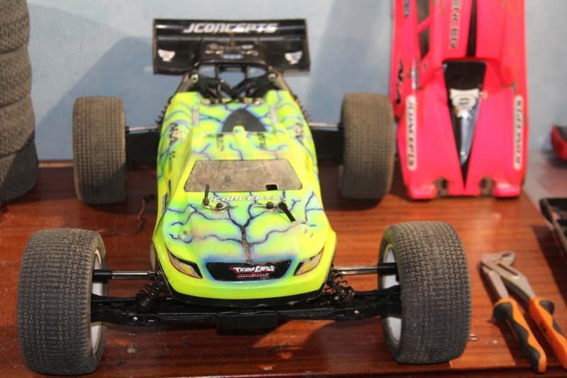 Mon nouveau jouet : Losi 8ight-T brushless Img_2227