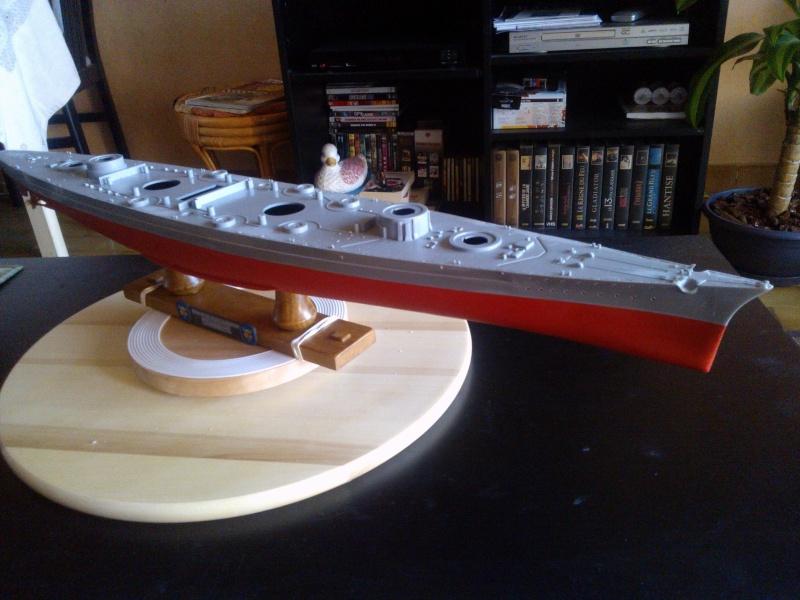 Bismark Revell avec photodécoupe et pont bois. 610