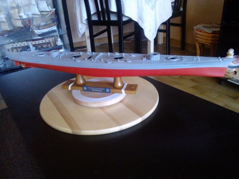 Bismark Revell avec photodécoupe et pont bois. 710