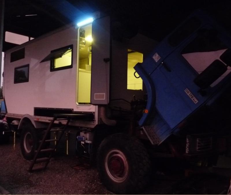 camping car à partir d'un Renault 110-170 4x4 : Fm11710