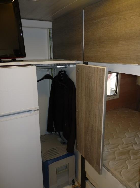 camping car à partir d'un Renault 110-170 4x4 : Fm152a10