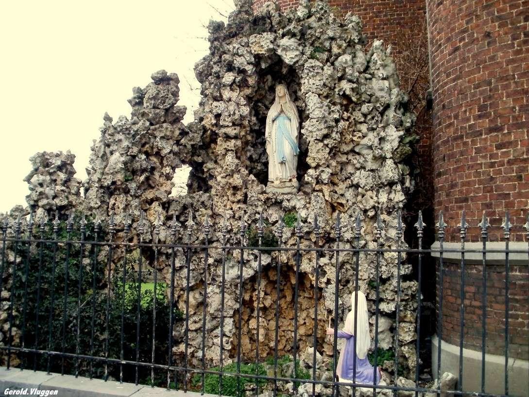 Les répliques de la grotte de Lourdes - Page 2 2015-111