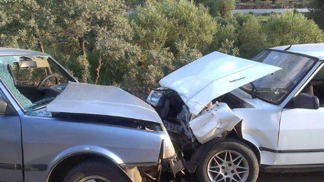 Derebucak'ta Trafik Kazası: 4 Yaralı Derebu10