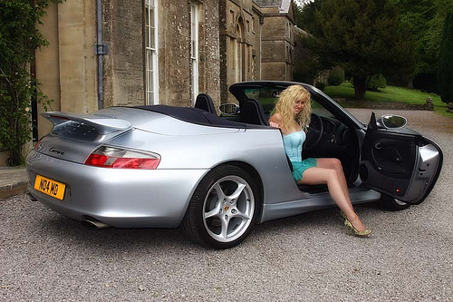 Porsche and Girls - Page 11 47170510