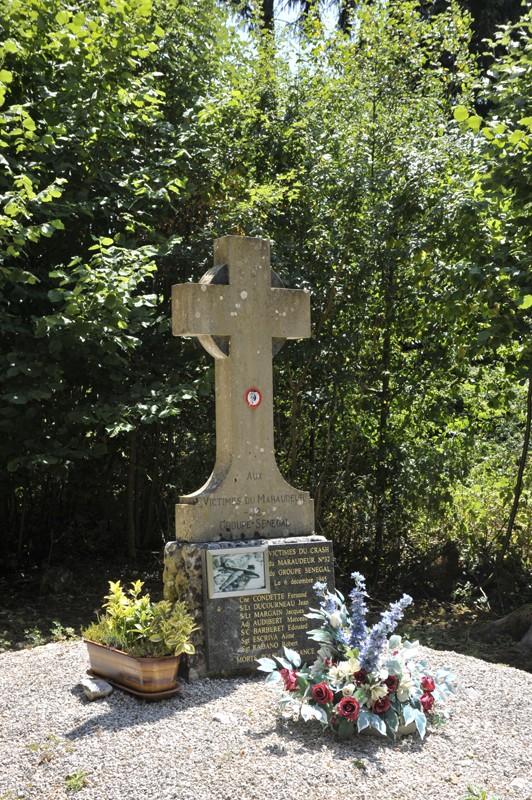 La stèle du B26 de l'oncle de ma mère Juille12