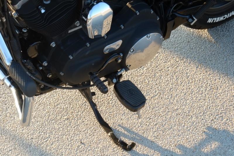 Problème de repose-pieds et sélecteur vite pour XL 1200 CA Dscf4227