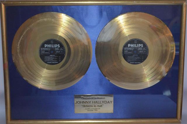 vente double disques d'or Johnny RETIENS LA NUIT/LES COUPS 17a58f10