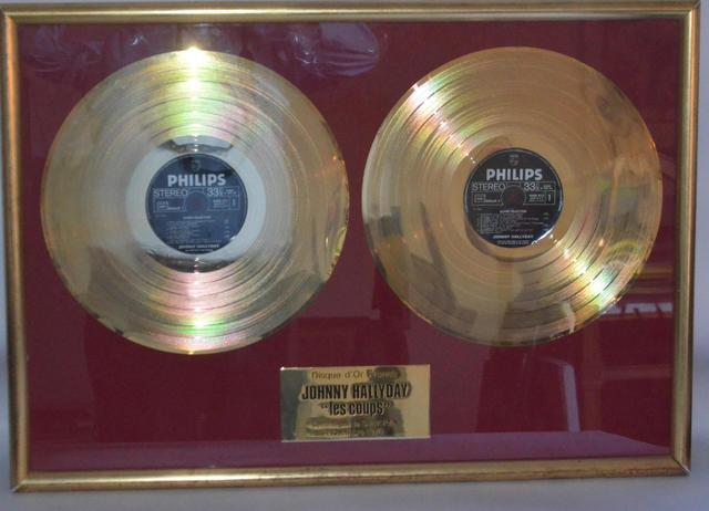vente double disques d'or Johnny RETIENS LA NUIT/LES COUPS Dea6f510