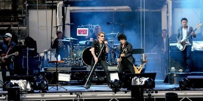 """Tournée 2015/2016 de johnny """"RESTER VIVANT """" Dates de tournée et Part 1 les festivals 11665511"""